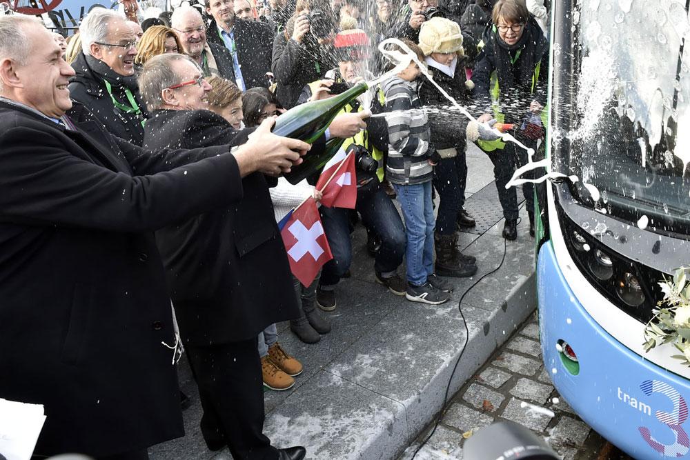 Inauguration de l'extension du Tram 3 sur le territoire français : 9 décembre 2017